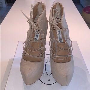 Steve Madden Grenadne Taupe Textured Heels